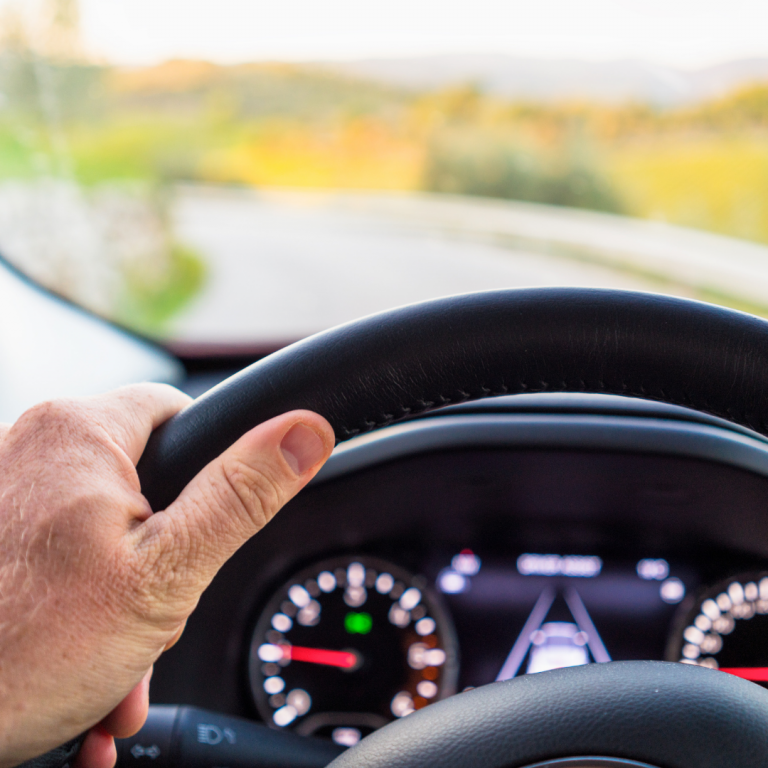 Read more about the article 6 Driving Tips for Stress-Free Travels